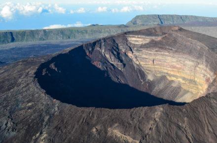 volcan réunion, piton de la fournaise, tunnel de lave réunion